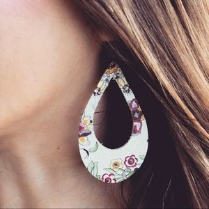 Jewelry - {Beige Floral Leather Earrings}